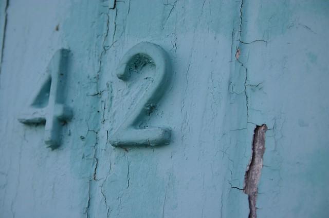 42/blue