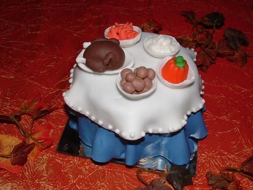 turkey dinner cupcake | www.wildcakes.ca | Wild Cakes | Flickr  turkey dinner c...