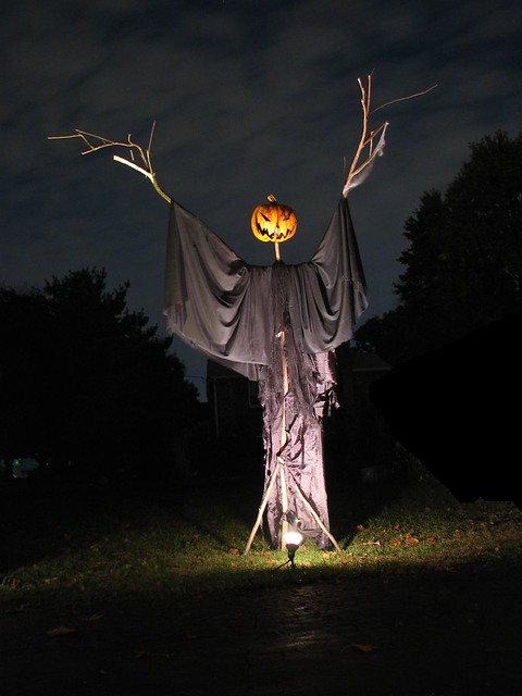 Cool Halloween Decorations You Can Make
