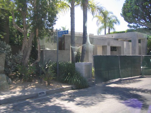 Keanu Reeves House He Ended Up Following Us On His