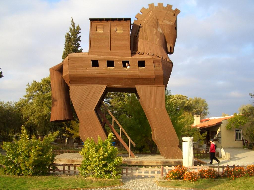 Trojan Horse in Troy/Truva   Trojan Horse replica, in Troy ...
