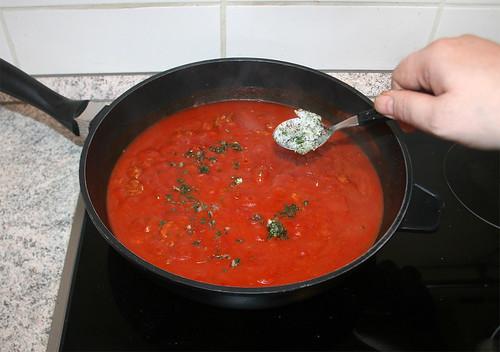 15 - Italienische Kräuter einrühren / Stir in italian herbs