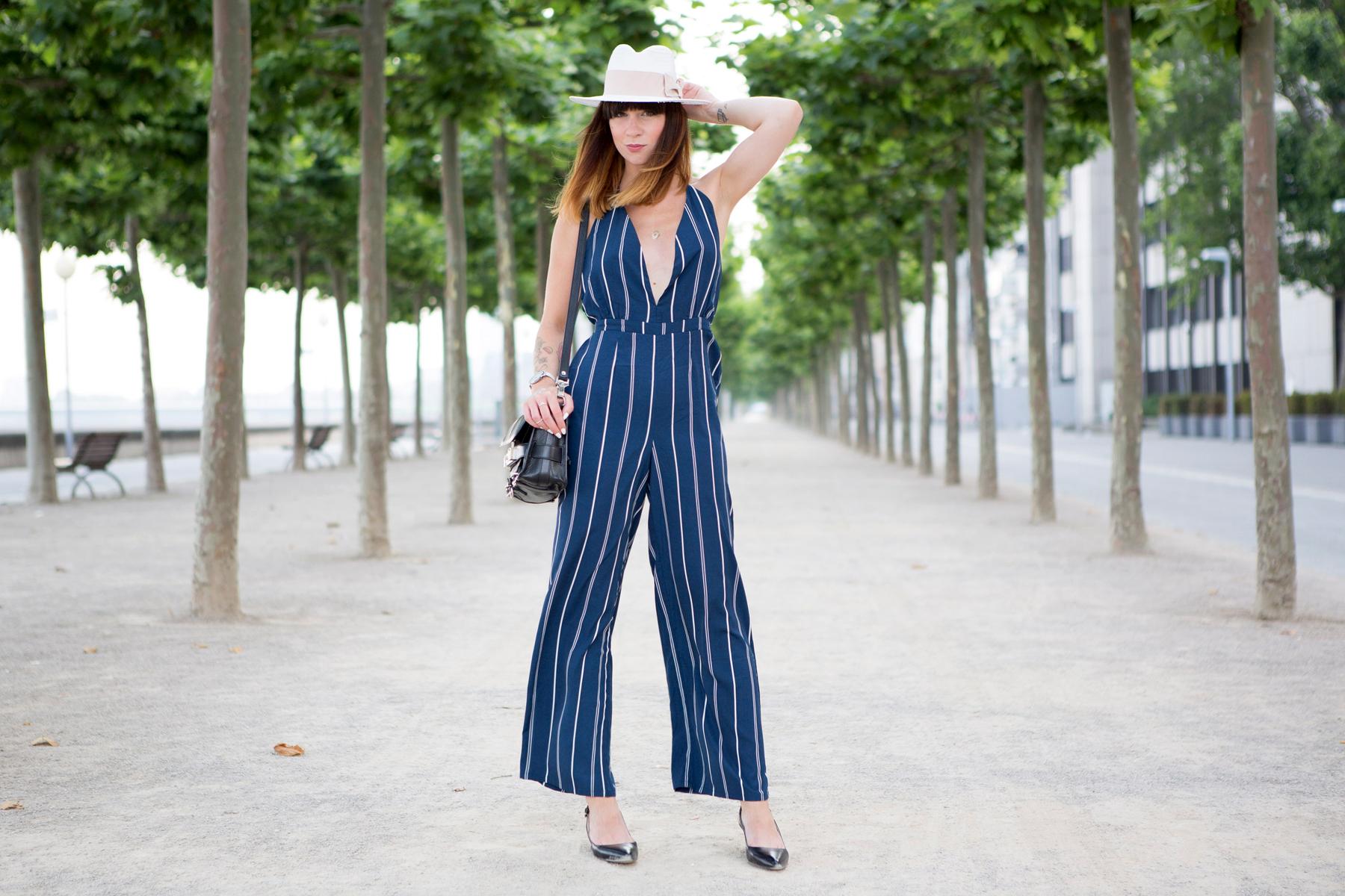 forever 21 jumpsuit overall streifen blue hat summer ombre cats & dogs ricarda schernus blogger berlin 6