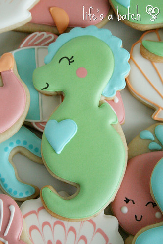 Seahorse cookie.