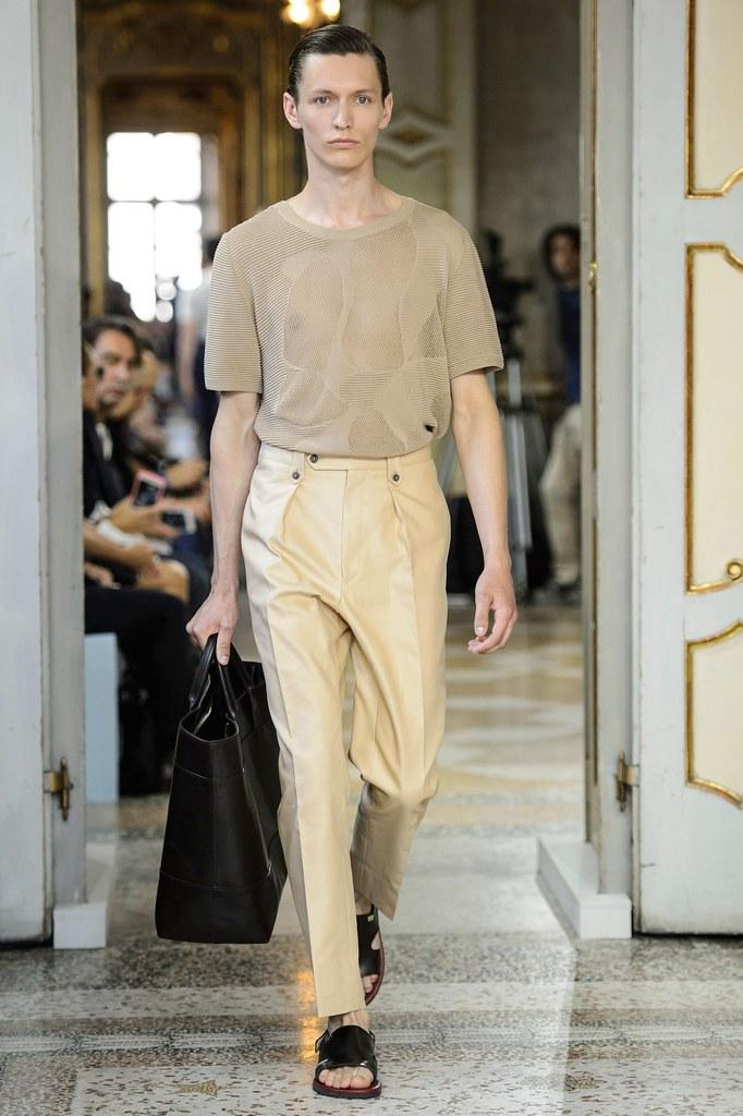SS16 Milan Corneliani014_Arnis Cielava(fashionising.com)
