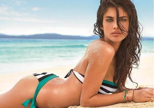Sara_Sampaio_modelo_bikinis