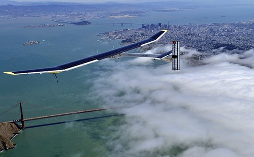 Літак на сонячних батареях перелетів Тихийокеан, оновивши свій же світовий рекорд