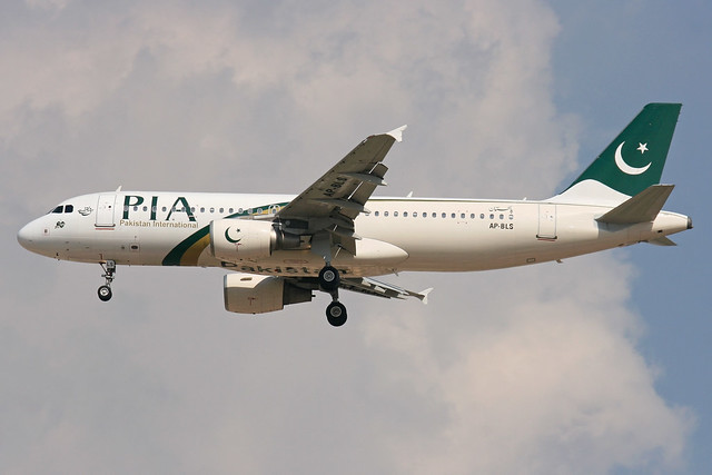 AP-BLS - A320-214 - Pakistan International