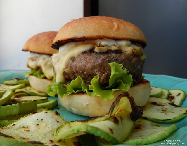 burgeri cu andive si blue cheese