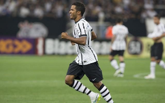 Yago usa Felipe como espelho para ter sucesso no Corinthians