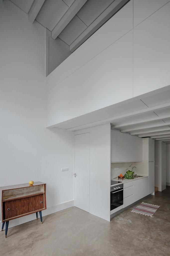 Duplex flat design in Porto by Portuguese architectural studio PF Arch Sundeno_14