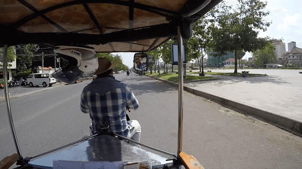 2017-02-10 Tuk tuk ride in Phnom Penh, Cambodia