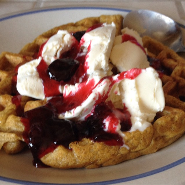 Lunch in a rush during a canning day: fresh pumpkin-spice waffle with vanilla ice cream and warm amaretto-cherry jam. Who says fast food has to be poor quality?