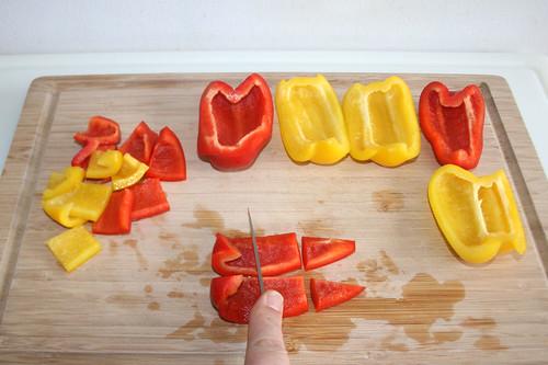 14 - Paprika grob zerteilen / Hackle bell pepper