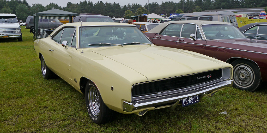 1968 dodge charger r t in sunfire yellow opron flickr. Black Bedroom Furniture Sets. Home Design Ideas