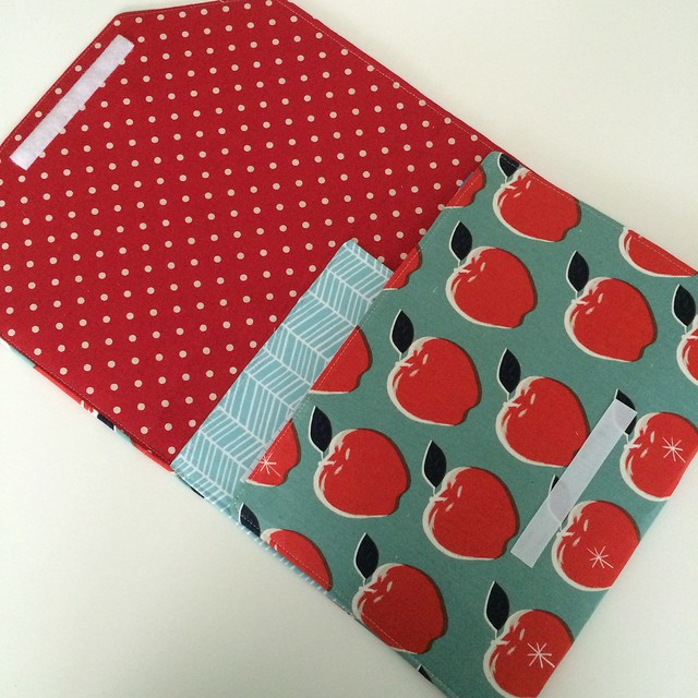 Envelope clutch from Sew Organized for the Busy Girl (larger art tote version)