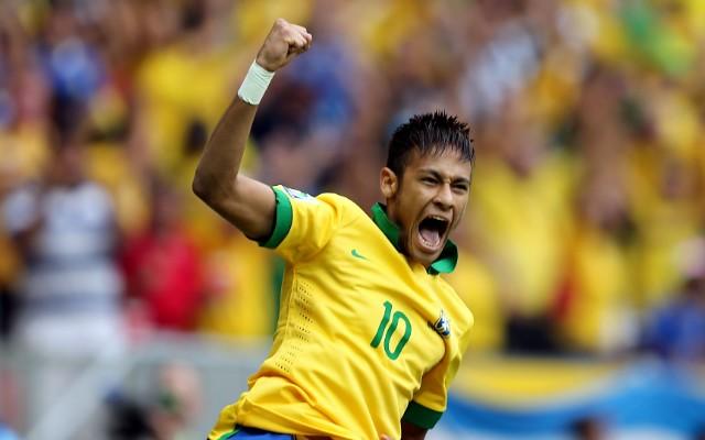 �nico do trio MSN a n�o treinar nesta segunda, Neymar chega � Sele��o