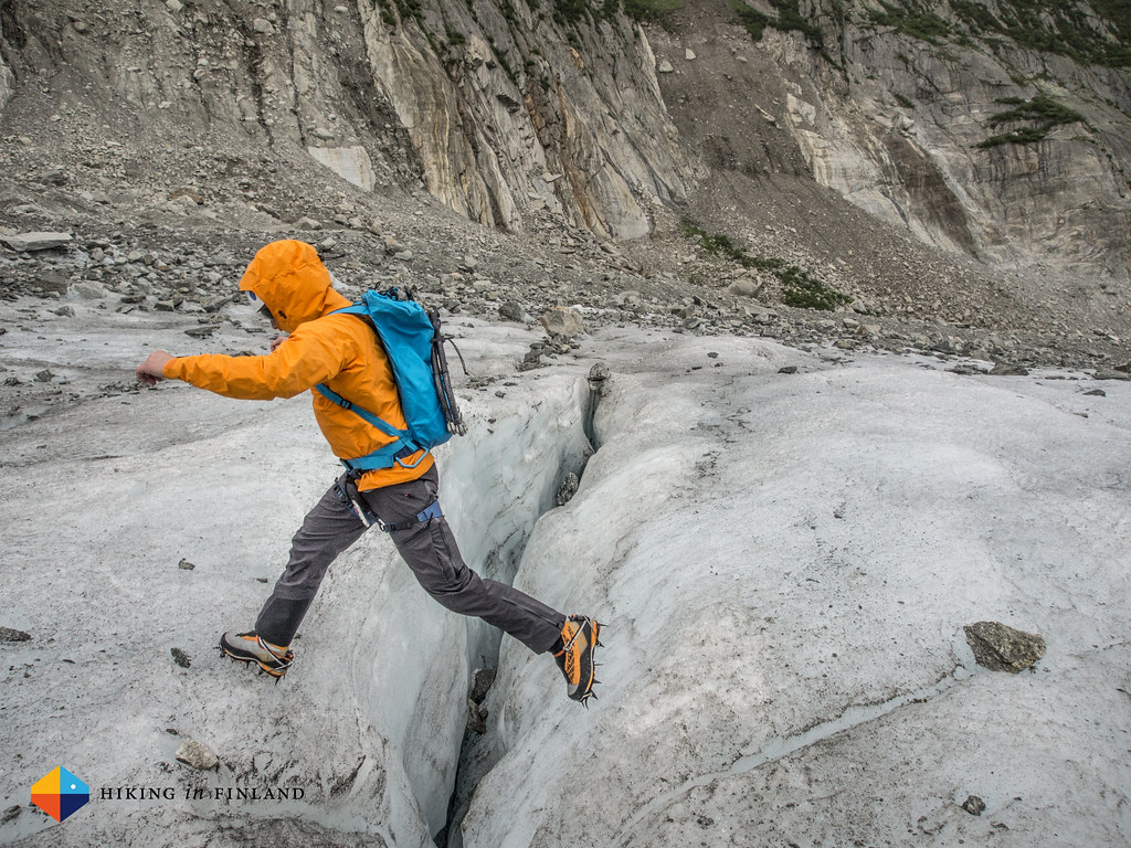 Jumping crevasses