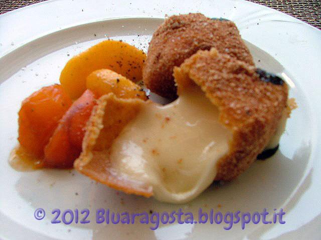 04-cubi di taleggio fritto con pesche caramellate