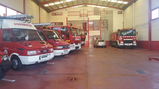 AionSur 19962284152_88bf61c1a1_z_d Los sindicatos provinciales piden al alcalde de Arahal que no incorpore bomberos voluntarios al Parque local Sin categoría