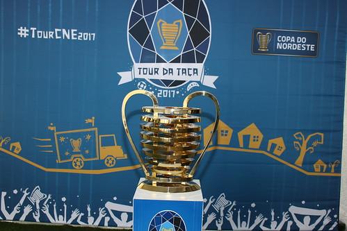 Exposição da Taça da Copa do Nordeste na FCF - 25/01/2017