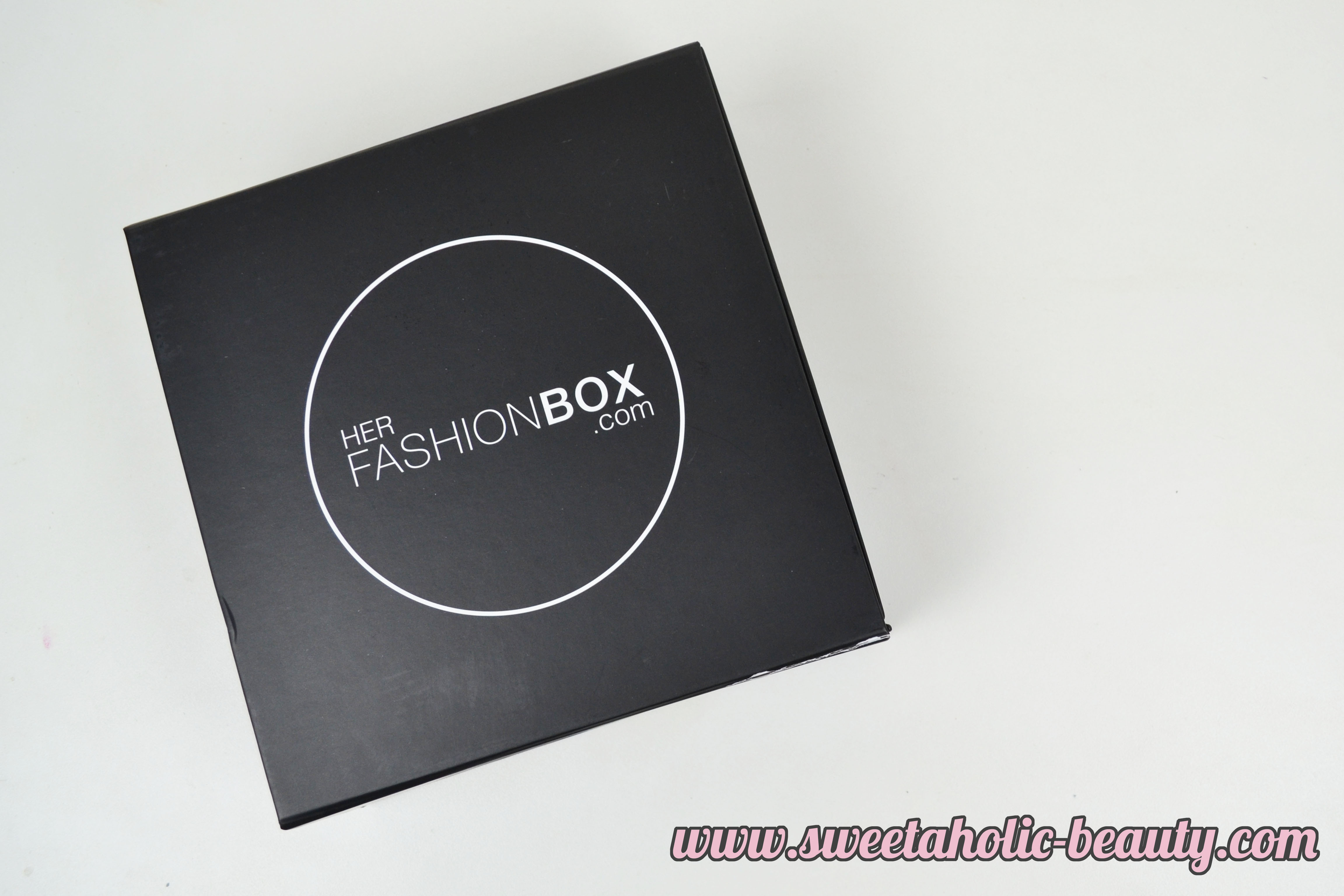 May 2015 Her Fashion Box Review - Sweetaholic Beauty