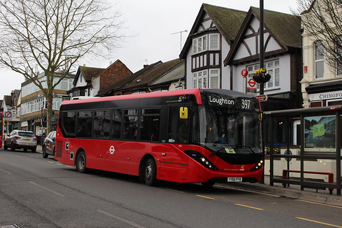 CT Plus 1251 on Route 397, Chingford Station