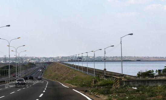 Av. Leopoldo Sucre Figarella: conductores presencian doble homicidio