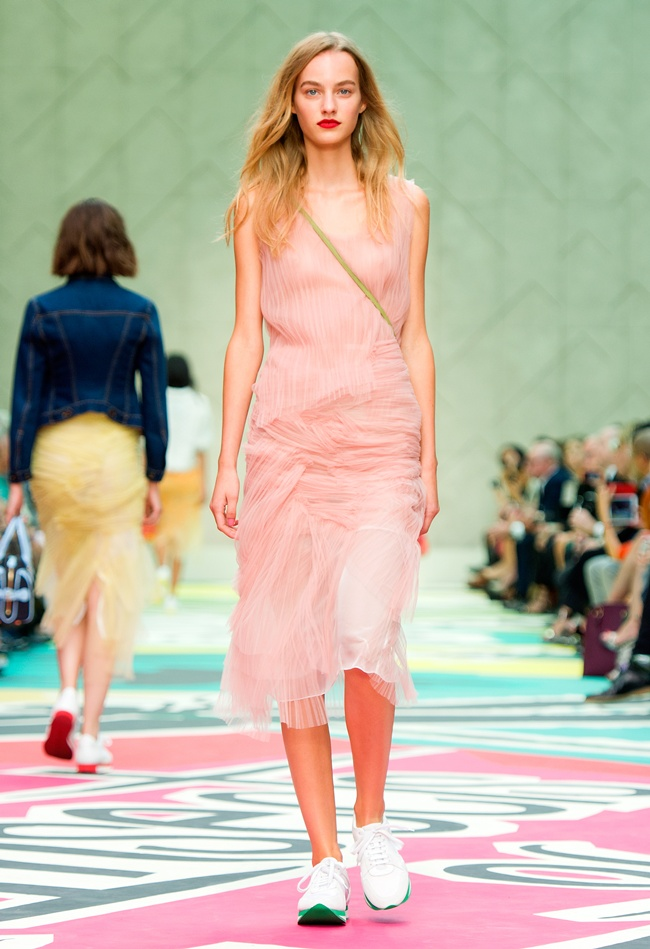 9 Burberry Prorsum Womenswear Spring Summer 2015