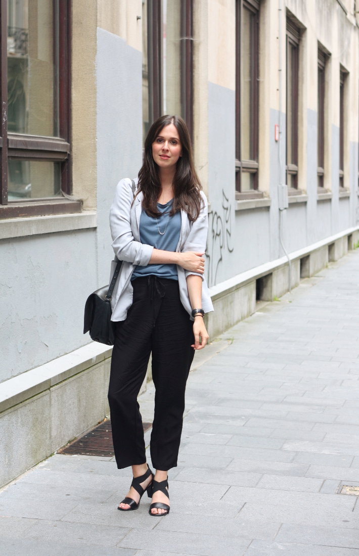 outfit: relaxed professional in pearl grey blazer, cropped trousers and heeled sandals