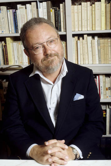 Thomas Harris - Photo 1