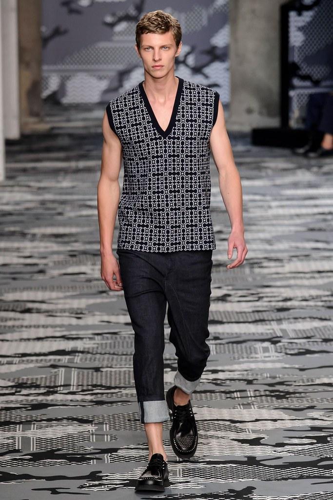 SS16 Milan Neil Barrett027_Tim Schuhmacher(fashionising.com)