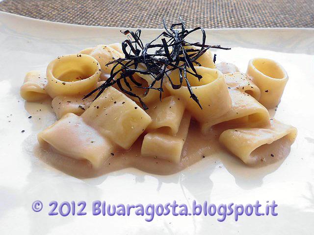 06-calamarata con fonduta di cipolle
