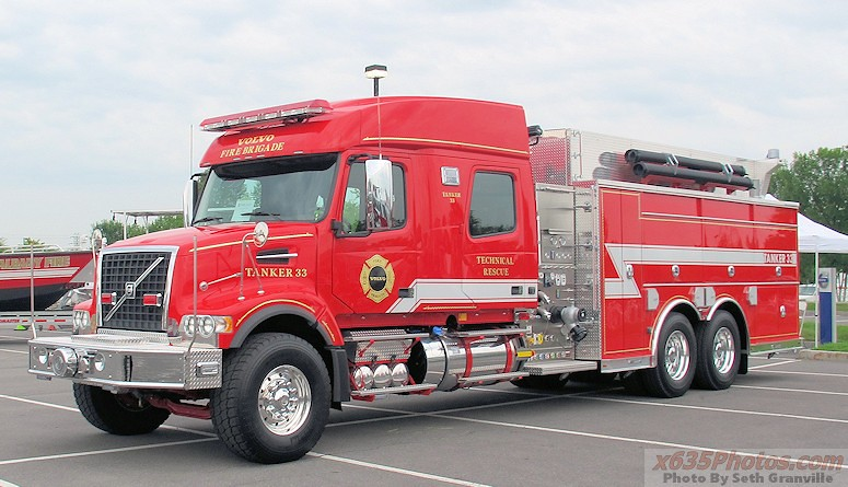 Volvo Fire Engine | One of the coolest looking trucks on ...