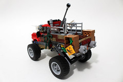 The LEGO Batman Movie Killer Croc Tail-Gator (70907)