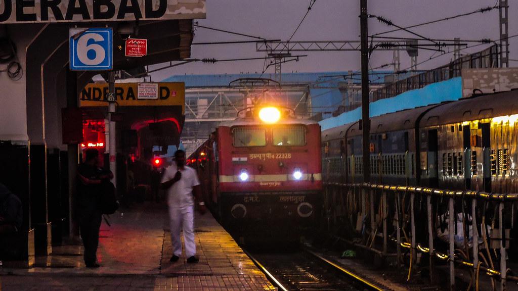 ... LGD WAP4 with 17406 Krishna Express | by M V S N Murthy