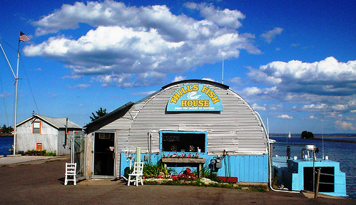 Thill 39 s fish house down by the harbor in marquette for Thill s fish house