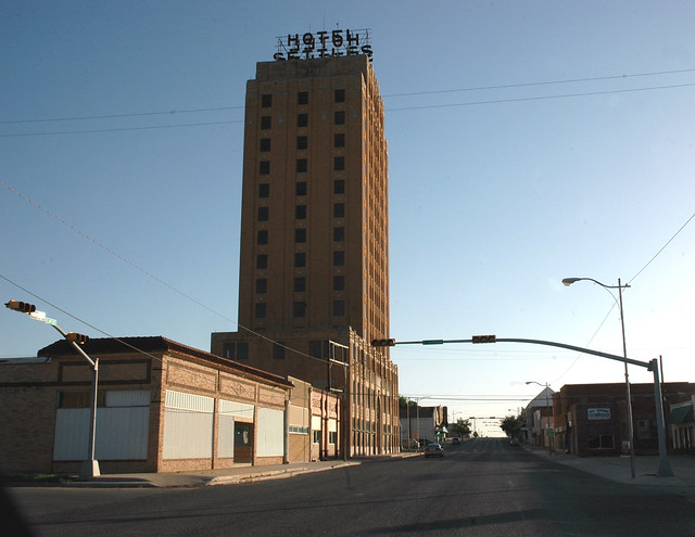 Hotel Settles Big Spring Texas Sign Of The Times