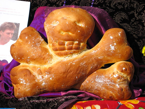 Pan de Muerto | There's lots of bread baked for this day and ...