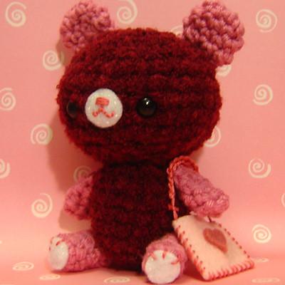 Amigurumi To Go Valentine Bear : Amigurumi Valentine Bear w/ heart pouch Heres a lovely ...