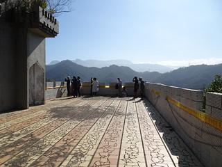 古堡二樓的平台