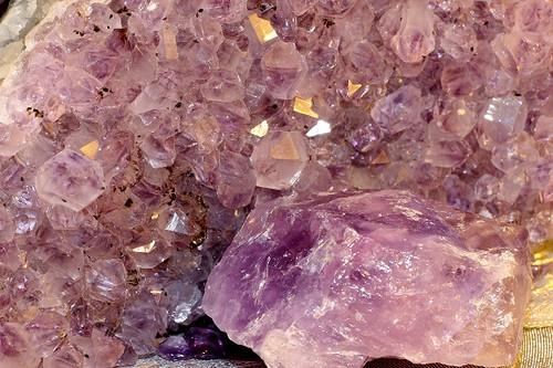 amethyst-239131_1920