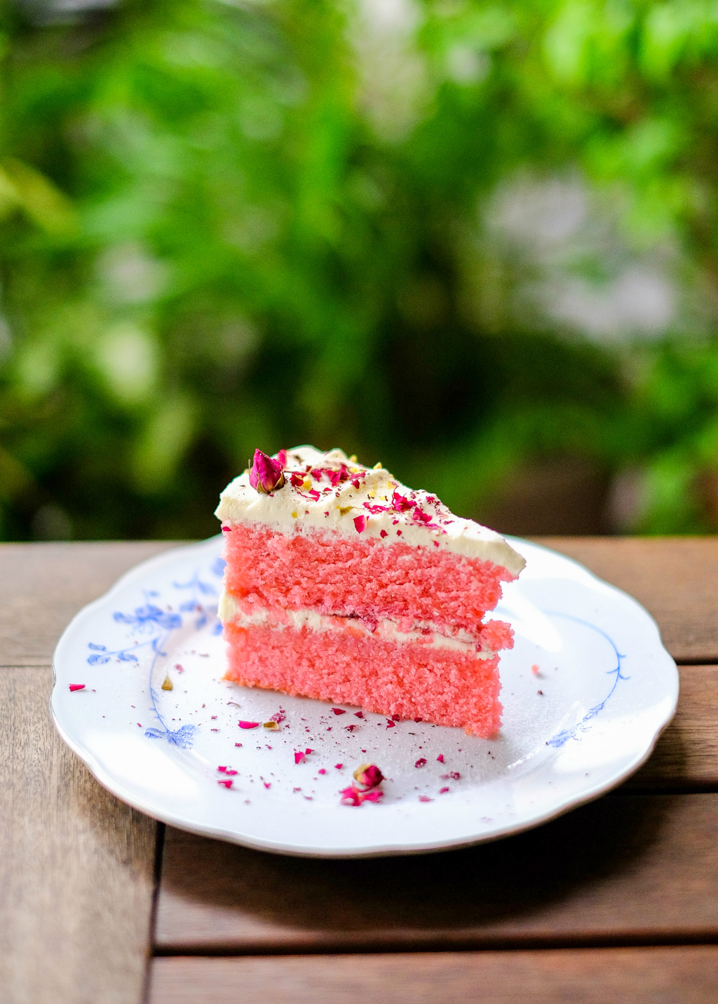 Food Guide to Jalan Besar & Lavender: Butter Studio's Ispahan (Lychee Rose Cake)