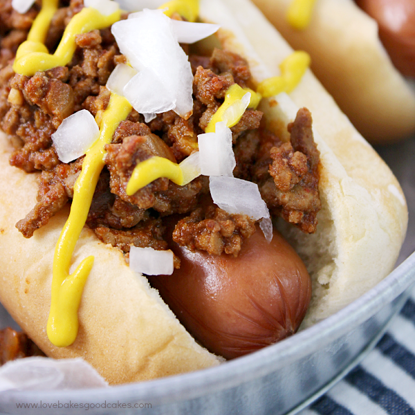 It's quick and easy to make this delicious Meaty Chili Dog Sauce for your next cookout! If you like your chili dog sauce extra meaty, then this is the sauce for you!