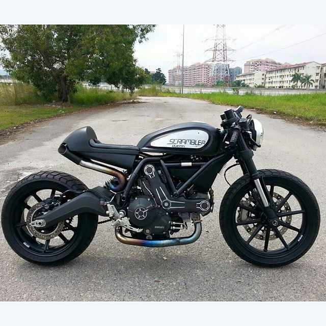 ready to ride ducati cafe racer custom by eastern bobber. Black Bedroom Furniture Sets. Home Design Ideas