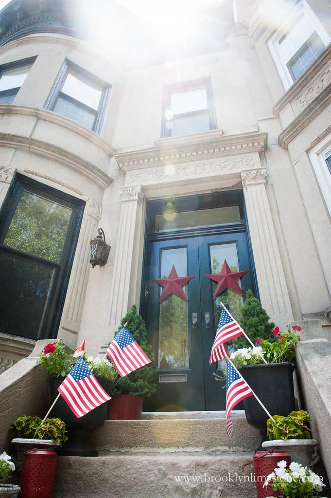 JulyfourthStoopDecor|BrooklynLimestoneWM150626-7