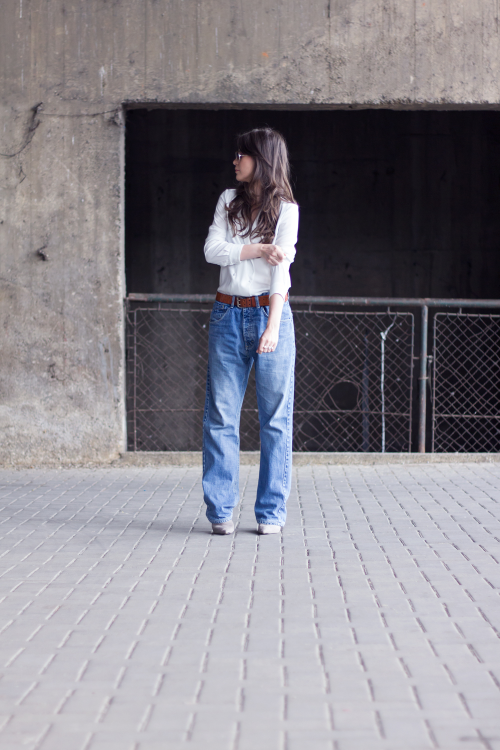 1990s Baggy Jeans on AfterTwoFive.com
