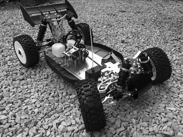0000436_4wd-ultron-buggy-roller