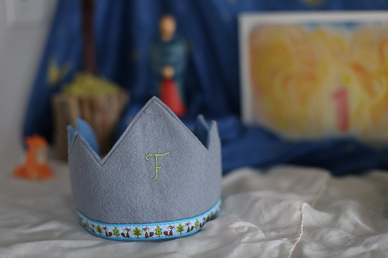 Baby F's birthday crown