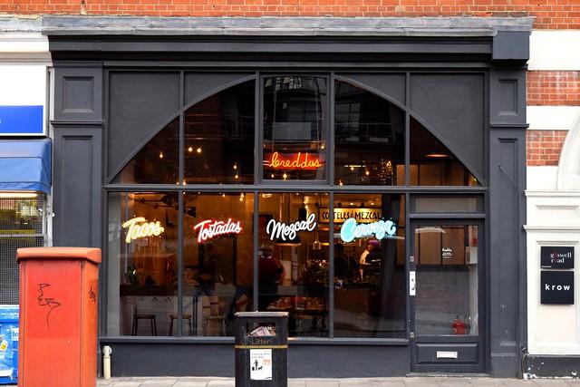 Outside Breddos Tacos, Clerkenwell | www.rachelphipps.com @rachelphipps